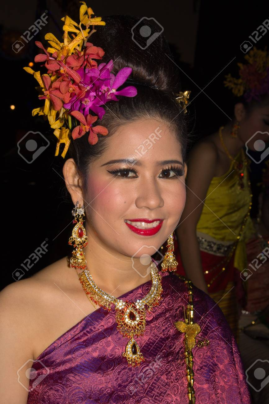 CHIANG MAI, THAILAND - NOVEMBER 10: Thai lady takes part in the opening parade of the Loy Krathong Festival in Chiang Mai, Thailand on November 10, 2011 Stock Photo - 13537786