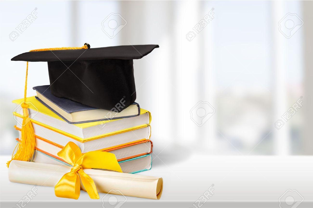 Graduación Diploma Birrete