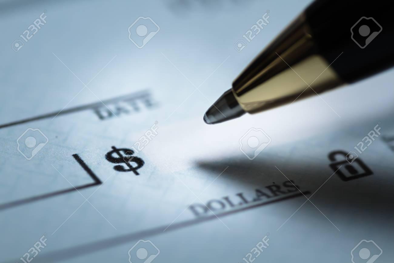Writing a check - 90547796