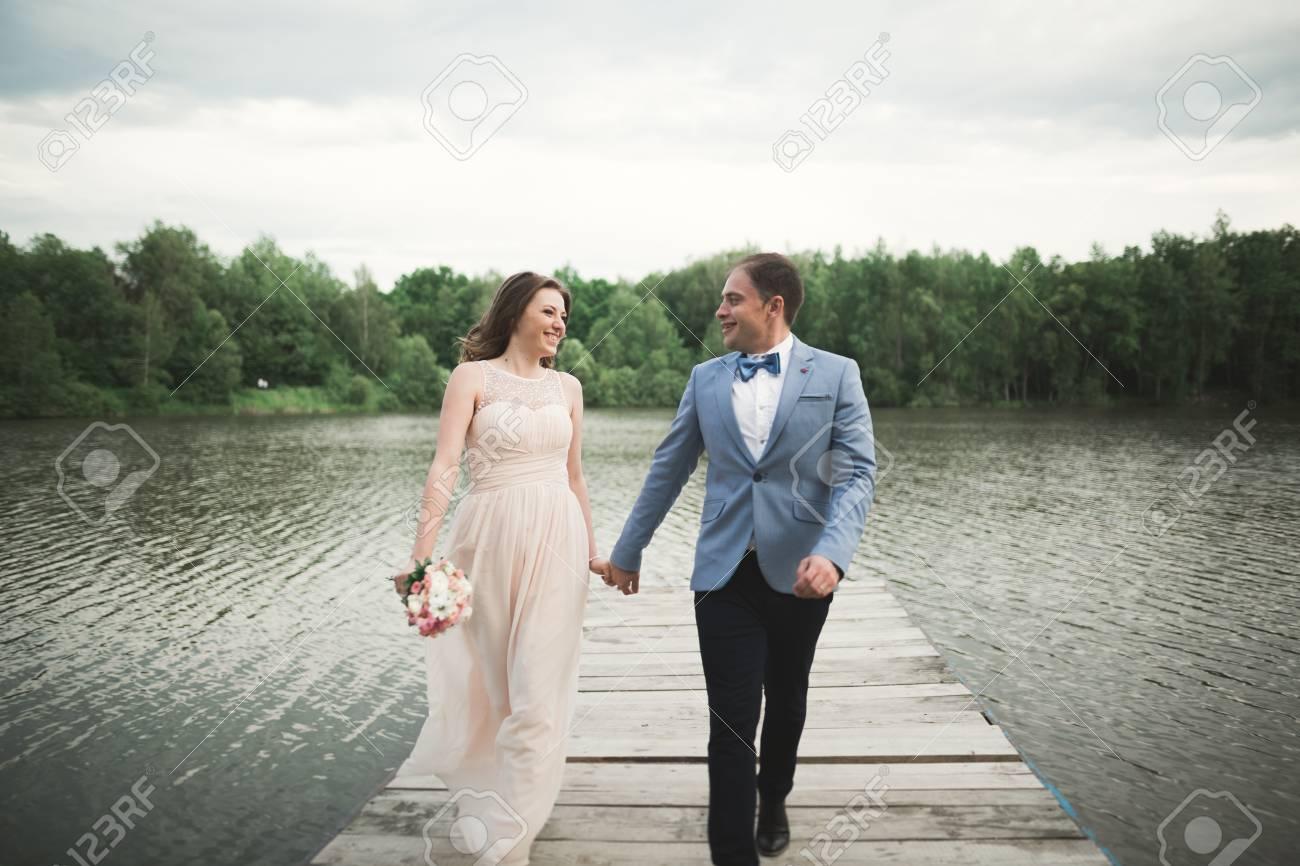 3b402b53a8bf65 Wedding Couple