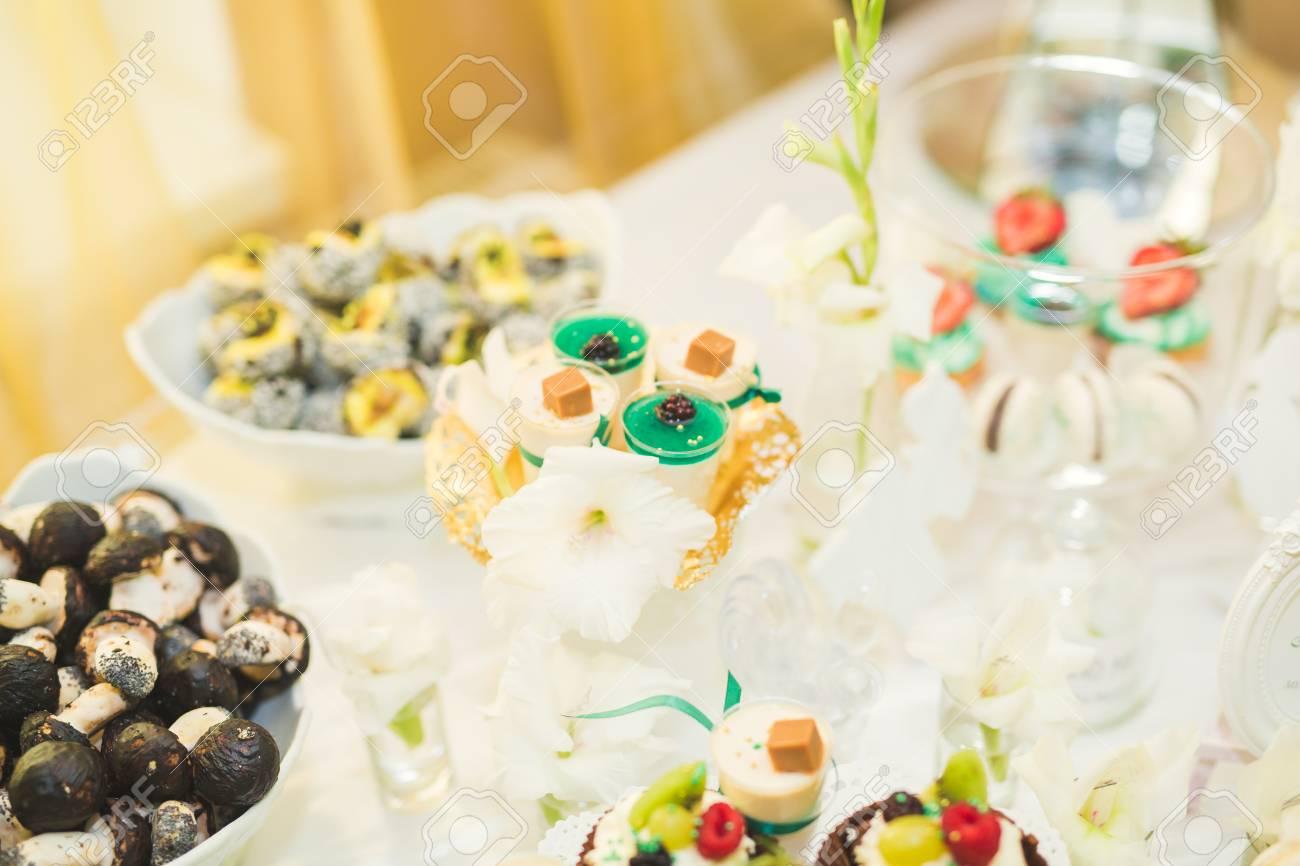 Exelent Dessert Bar For Wedding Reception Images Wedding Idea 2018