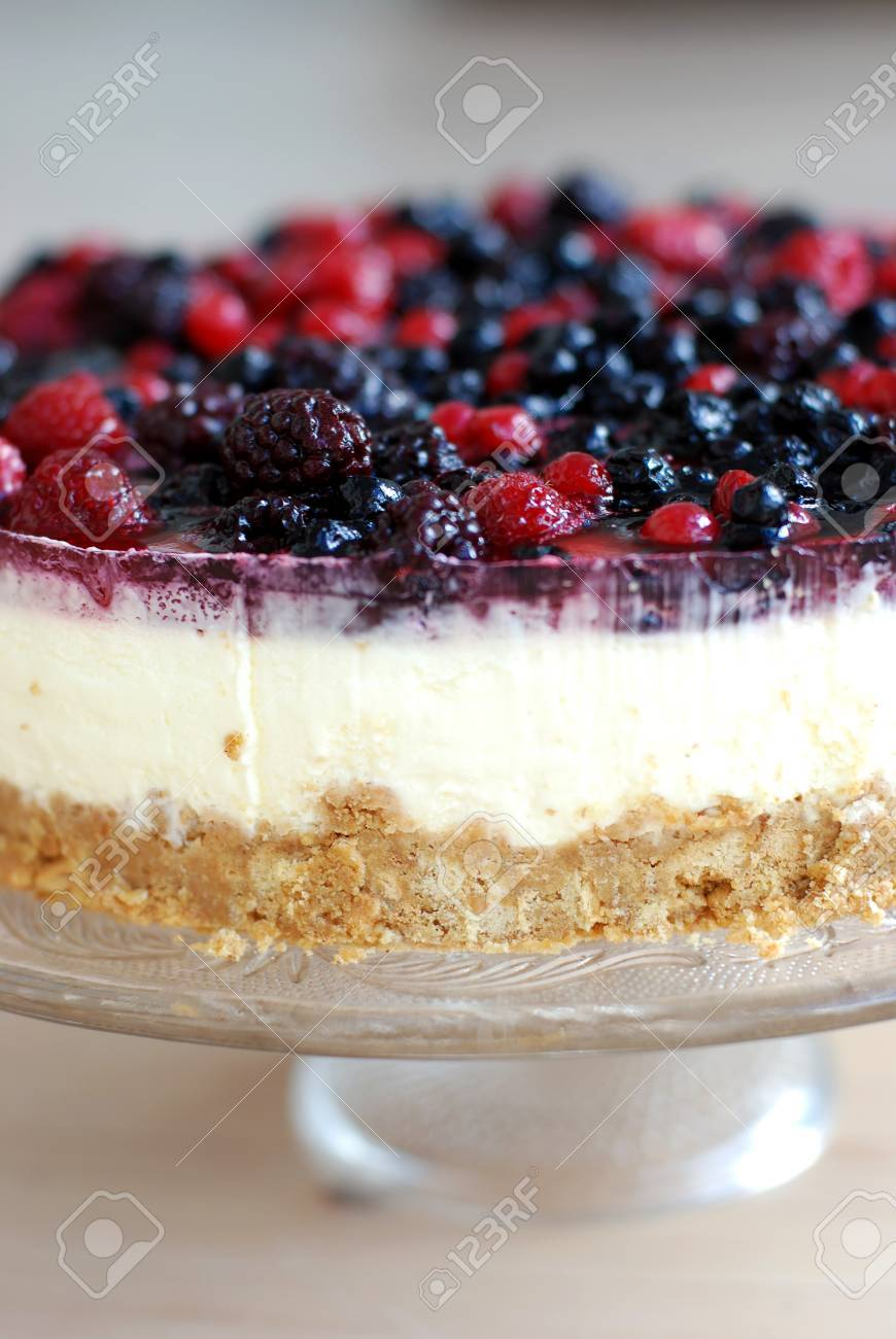 Cheese cake with a fruit topping. Stock Photo - 7741058
