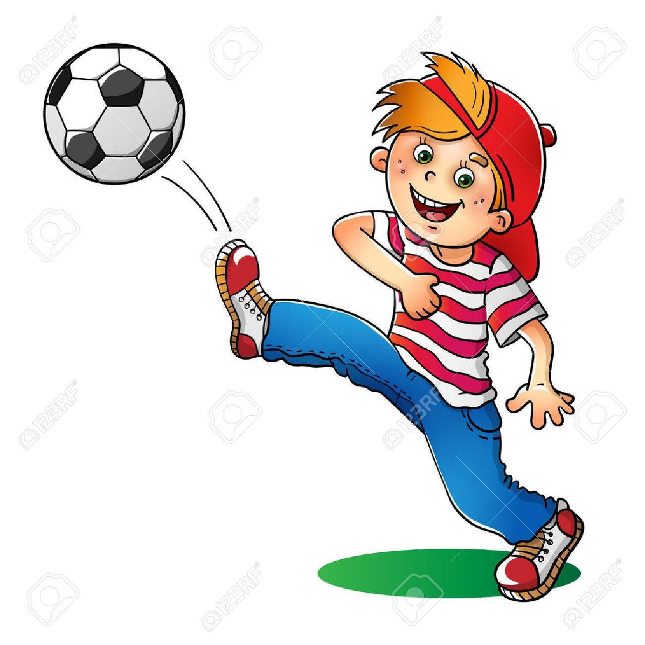 Muchacho En Un Casquillo Rojo Y Camiseta De Rayas Con Un Balón De ...