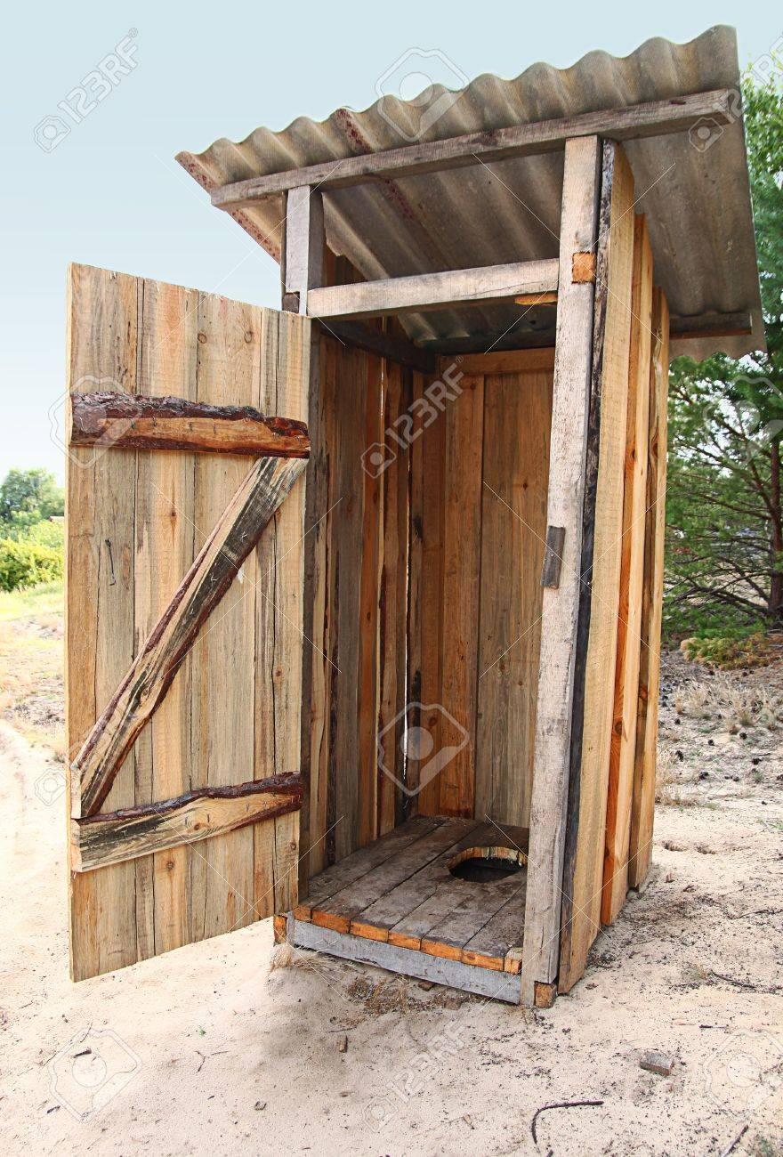 Строительство садового туалета своими руками
