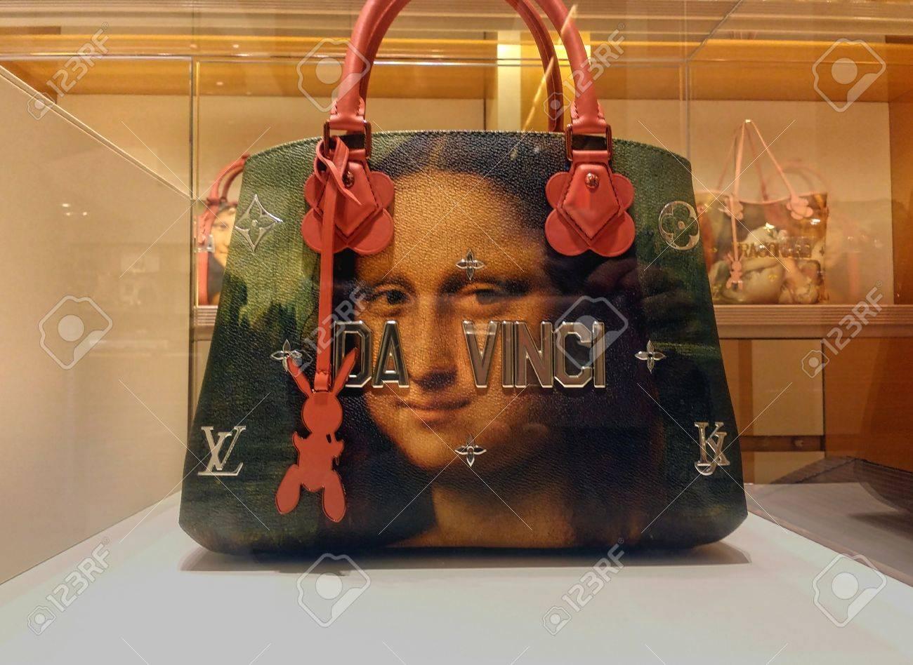 8ac1d13a1 Bolso de mano Louis Vuitton Da Vinci como parte de la colección Masters en  colaboración con