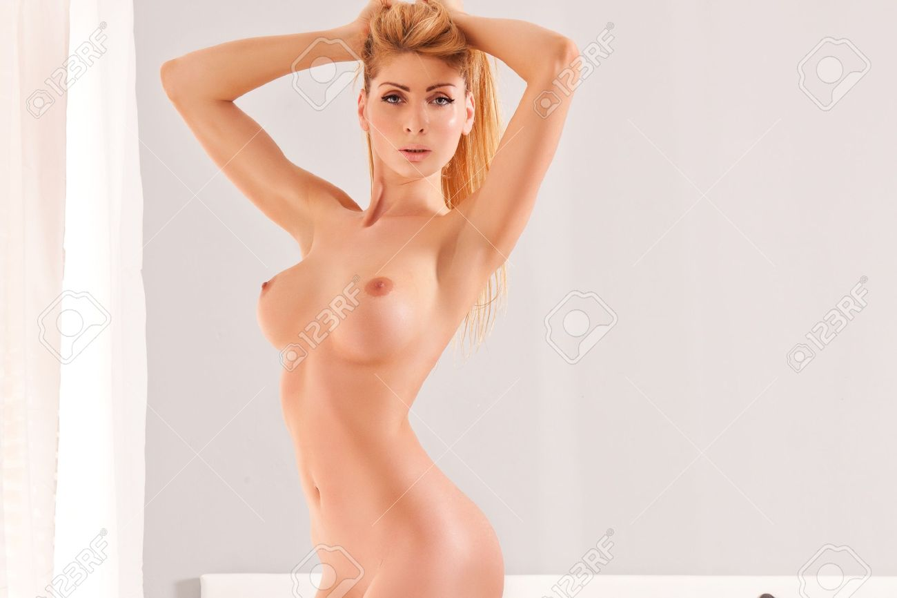 Pictures of beautiful naked women