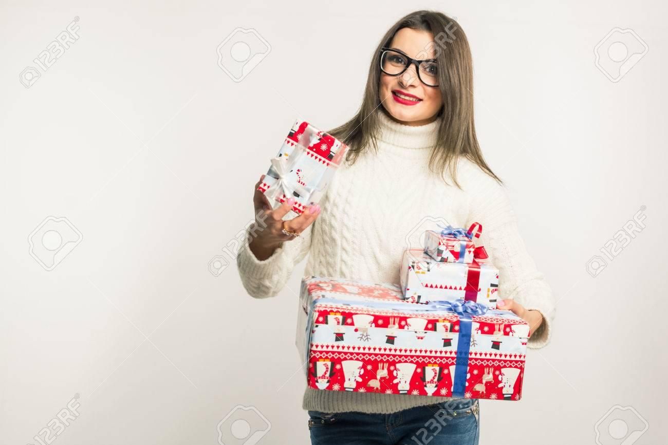 Eine Junge Brünette Frau In Den Gläsern Und Einem Weißen Pullover ...