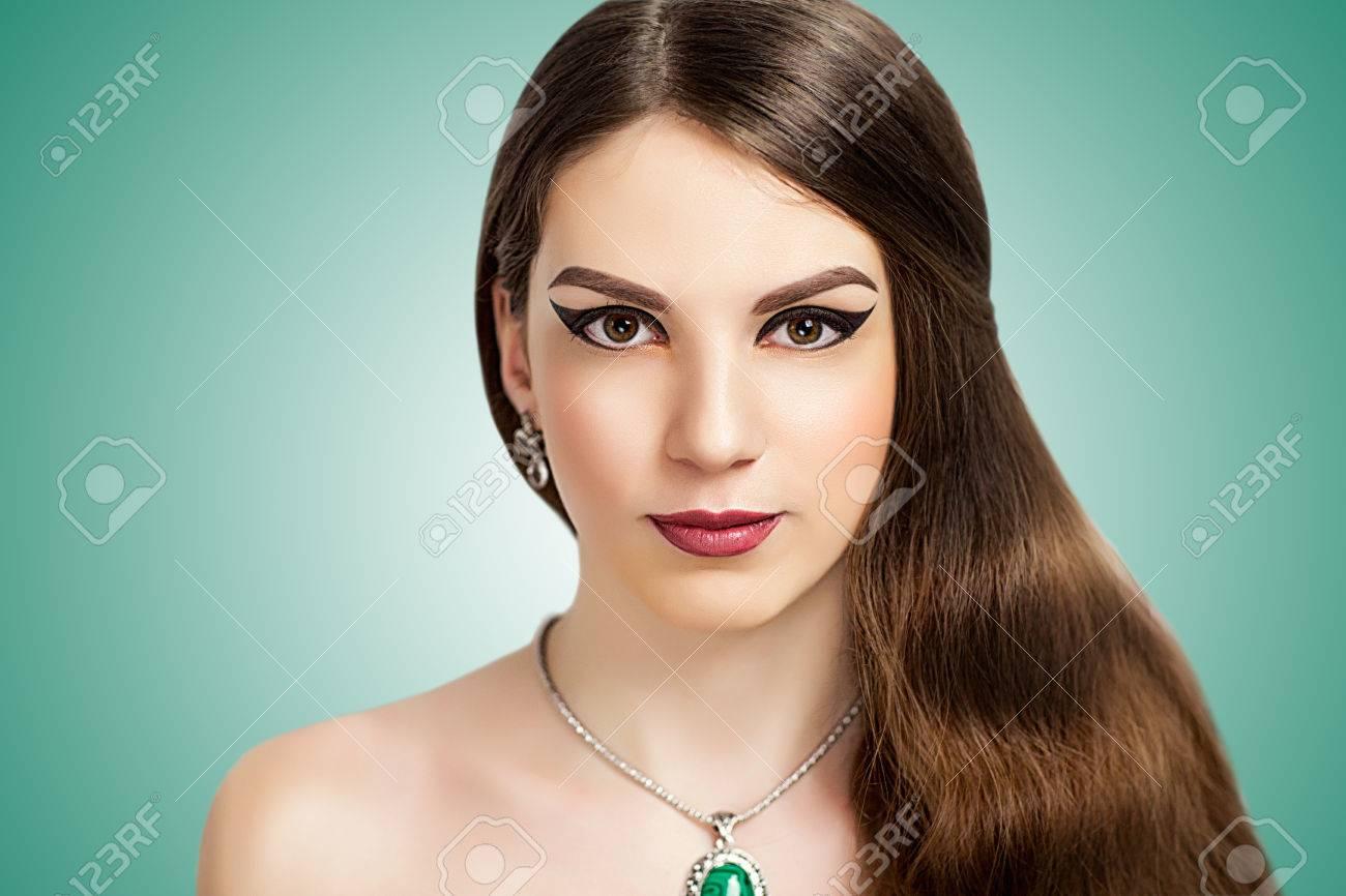 wealthy-woman-nude