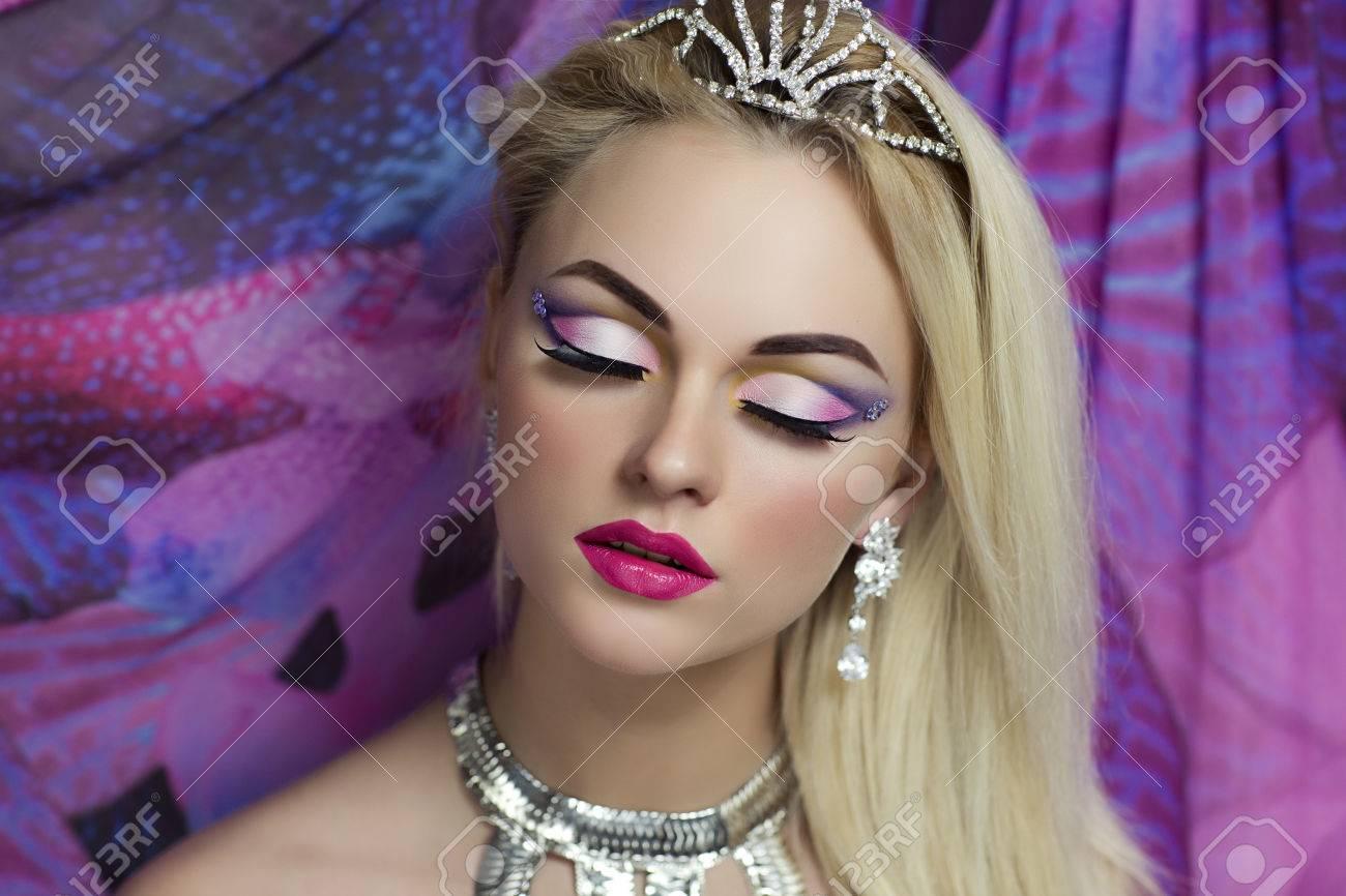Portrait De La Belle Jeune Femme Sexy Modèle Femme Actrice