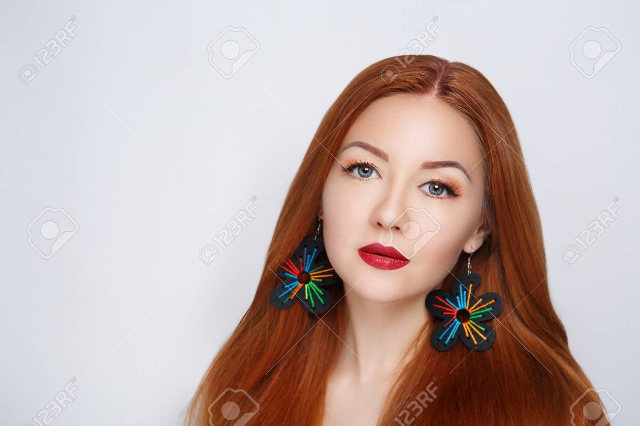 Closeup Retrato Hermosa Dama De Mujer Nina Volumen Peinado Peinado