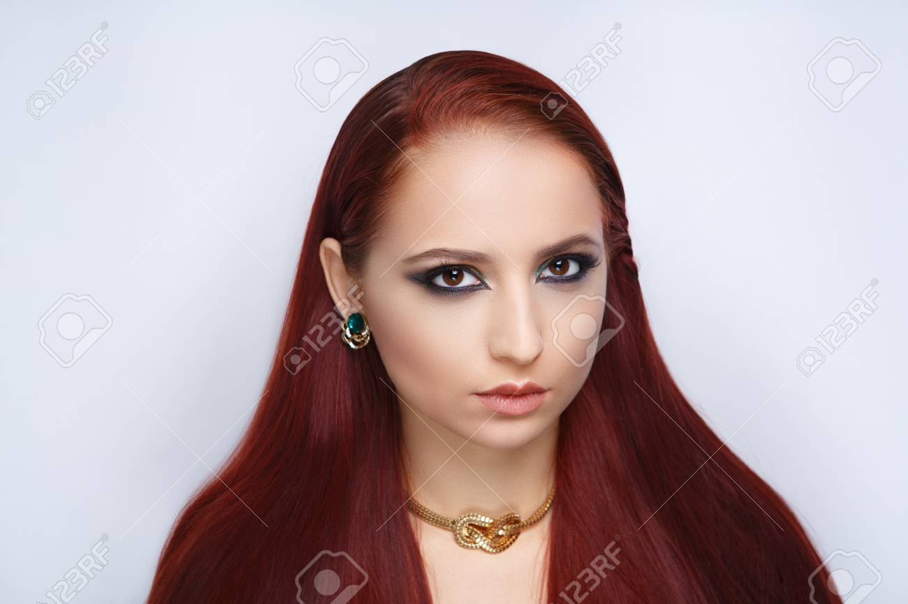 Vinous Red Haired Girl Sly Foxy Creative Makeup Girl Bright Stock