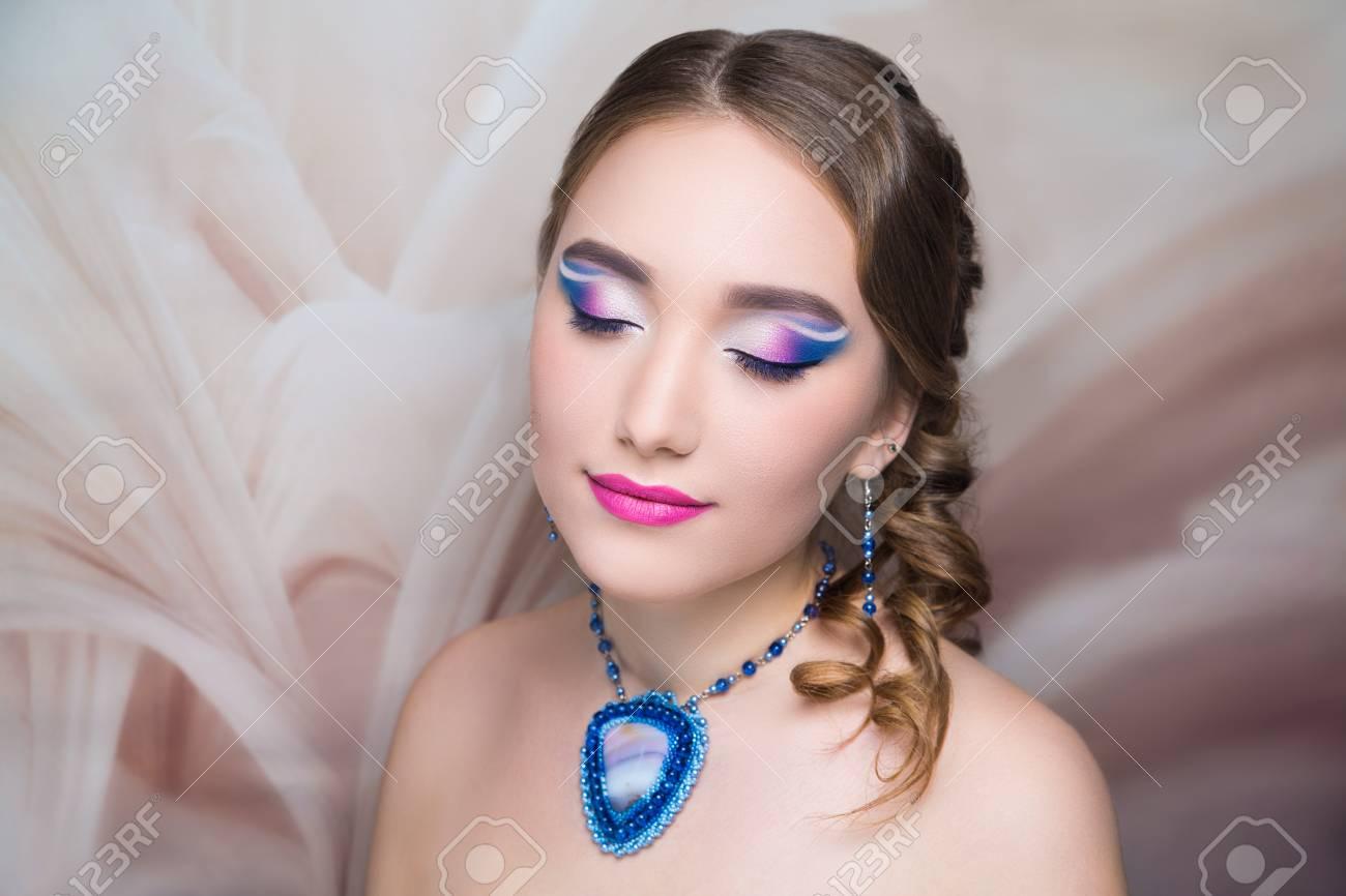 Close-up Portrait Beauty Girl Woman Lady, Volume Hair-do. Luxury ...