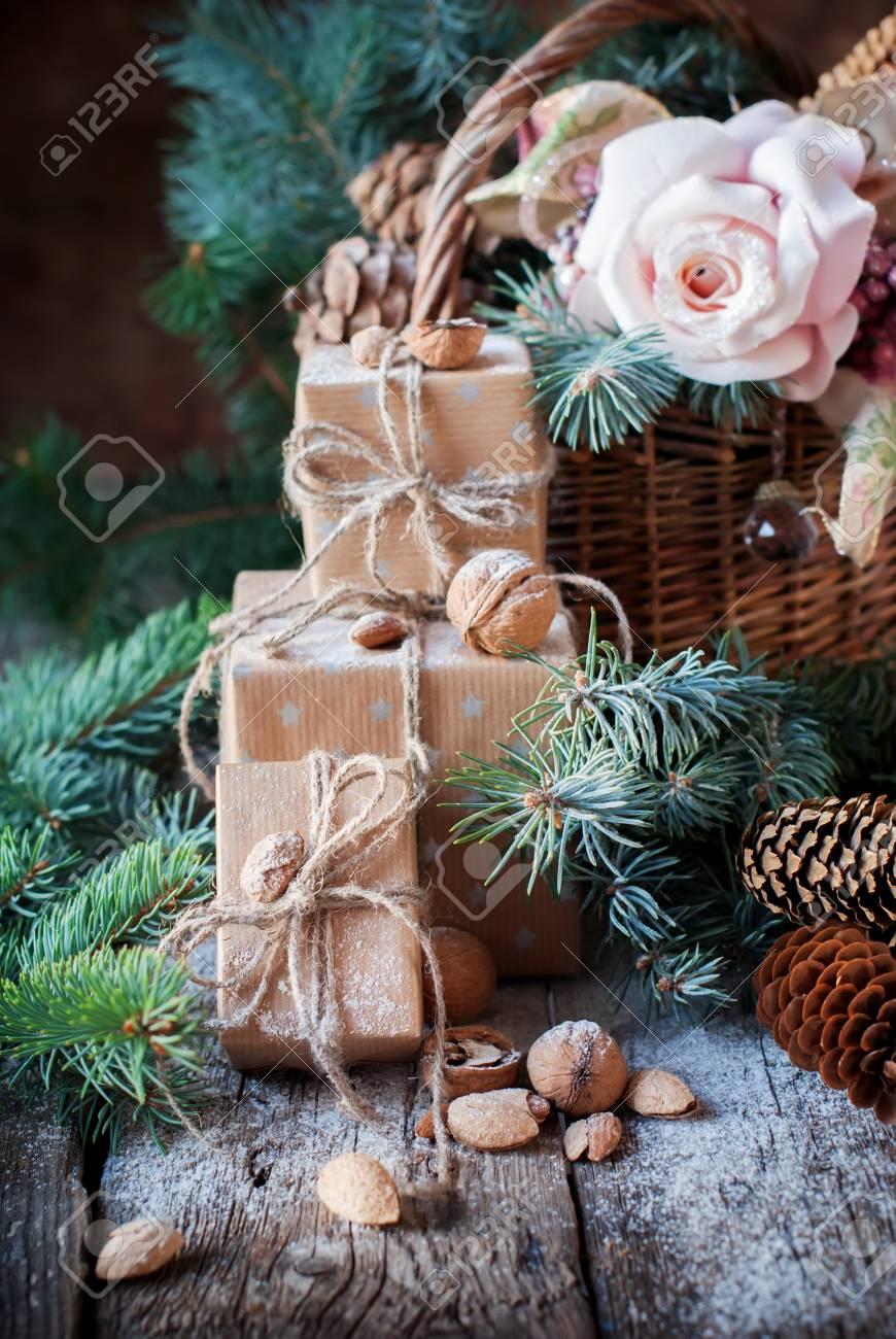 Weihnachtsgeschenke Boxen Mit Cord, Korb Mit Nadel- Und Tanne ...