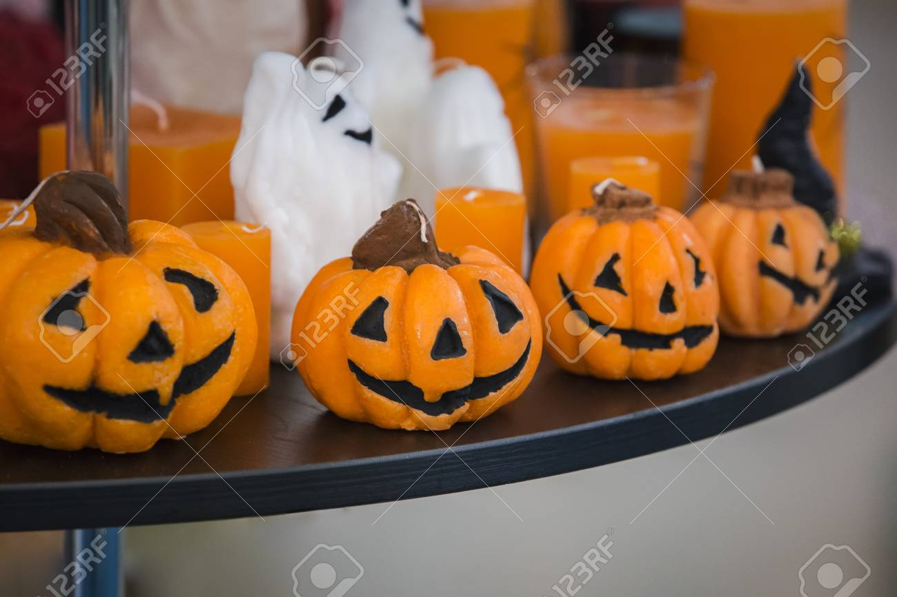 Parfait Bougies Décoratives Sous La Forme Du0027une Citrouille Pour Halloween.  Décoration Du0027Halloween