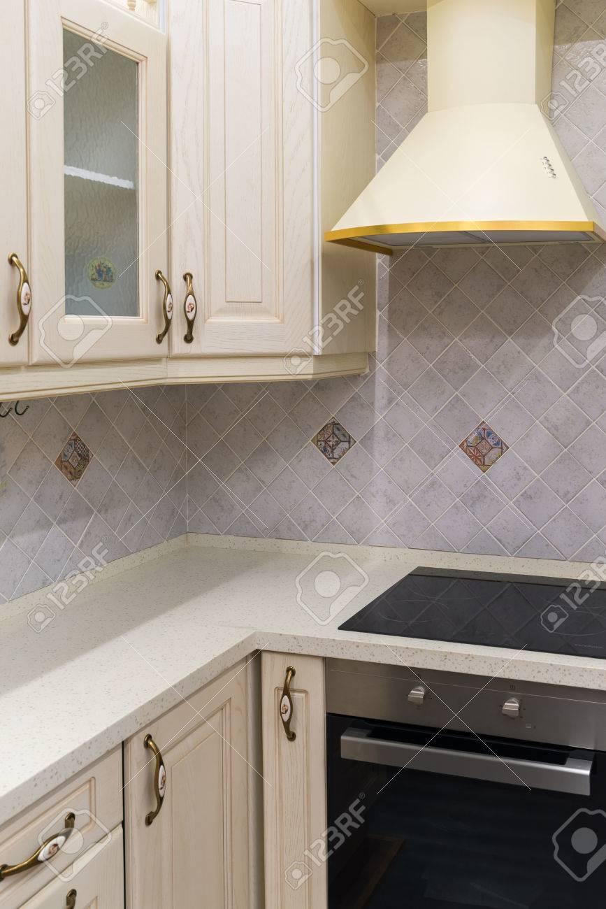 Una Cocina Blanca Diseño Interior Limpio Moderno Fotos, Retratos ...