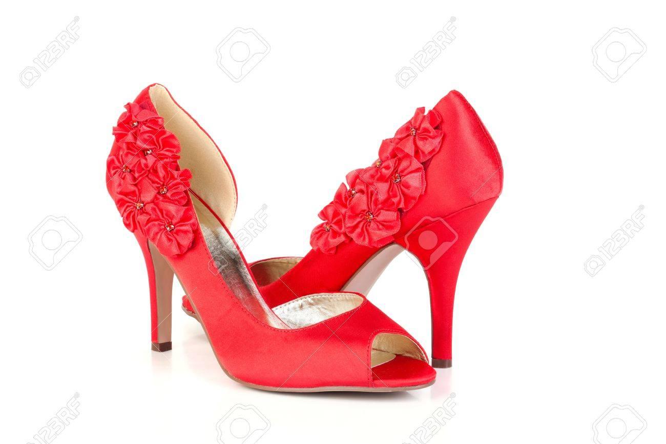 En Los Tacón Zapatos Rojo La 5xixeyv Bomba El De Fondo Blanco b6yfg7