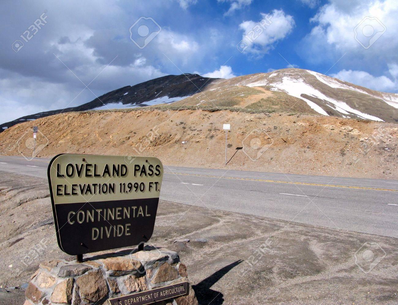 コロラド州ロッキー山脈でラブラ...