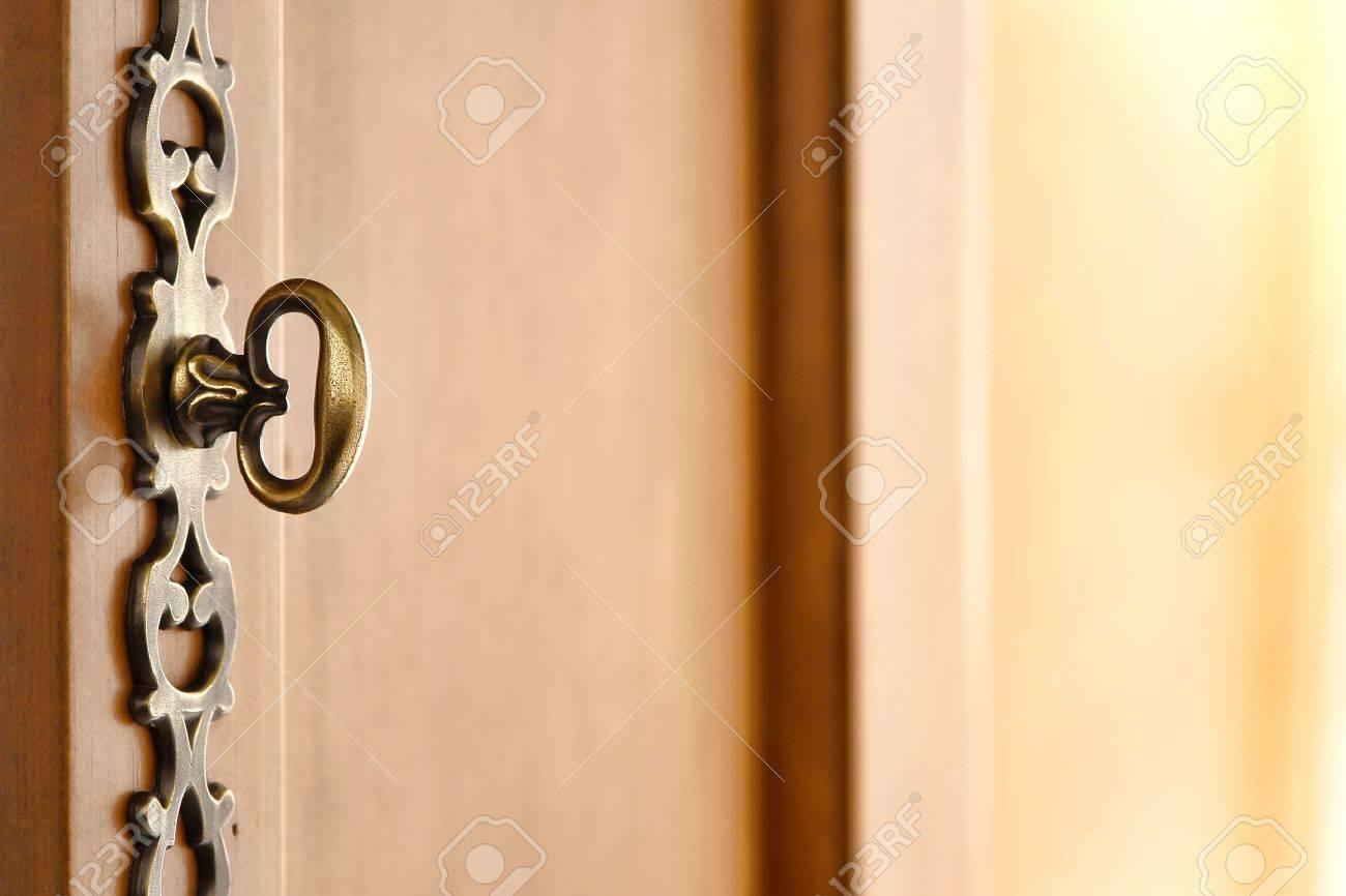 Alte Traditionelle Braunen Holzmöbeln Dekorative Tür Schlüssel Wie ...