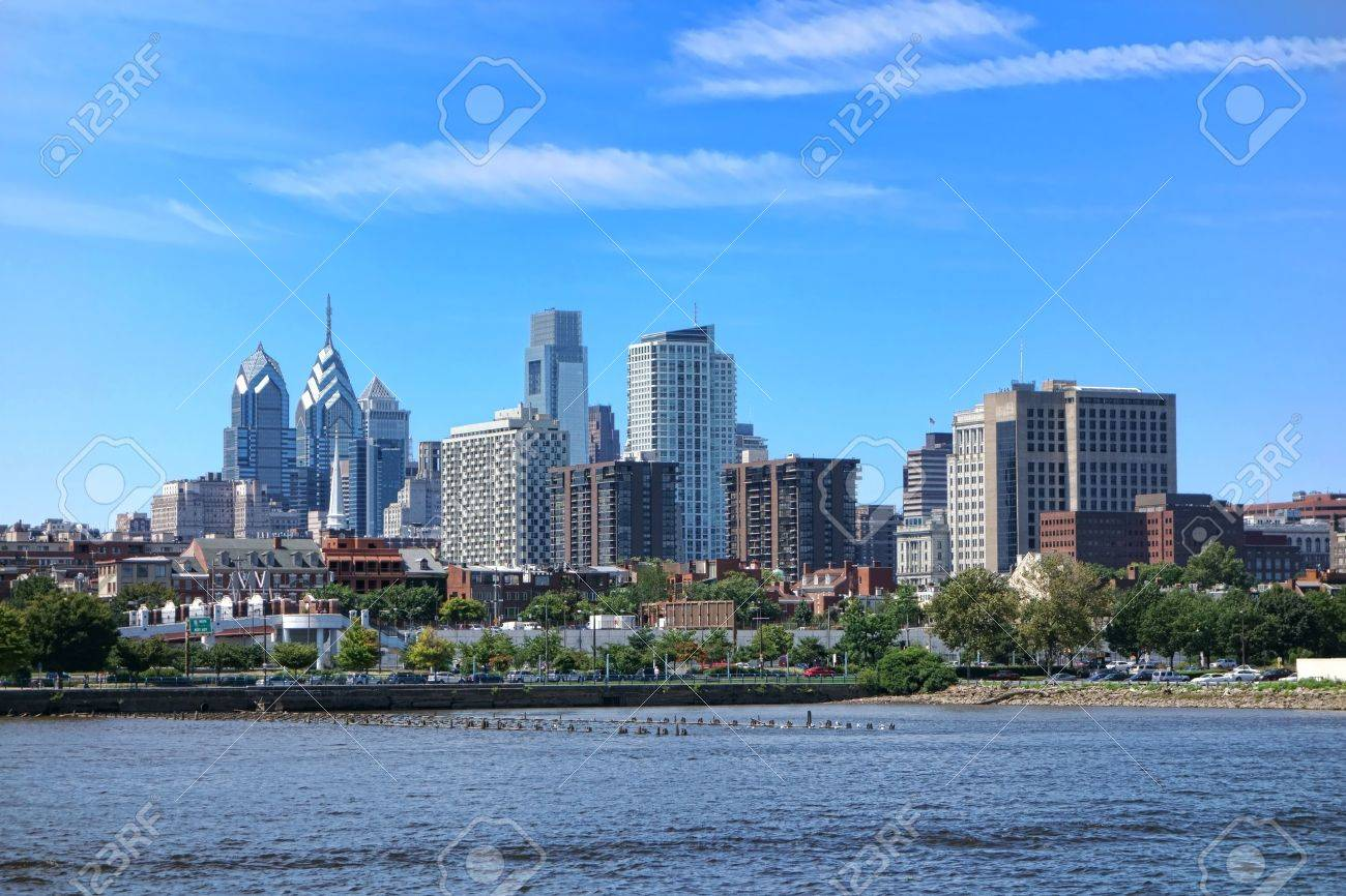 Downtown Philadelphia Center City Scenic Cityscape With Apartment - Center city apartments