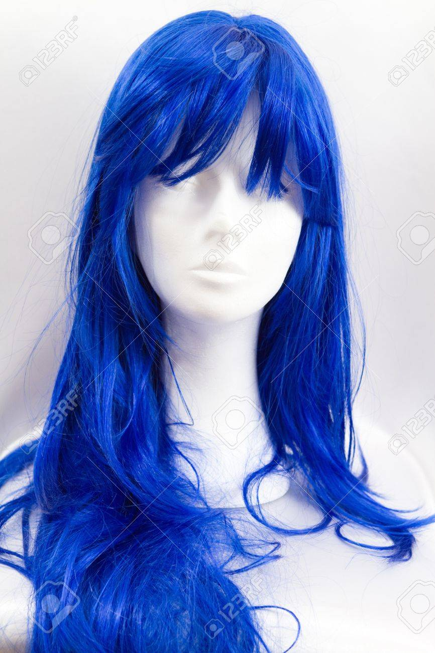 a funny blue wig on a dummy Stock Photo - 13953704