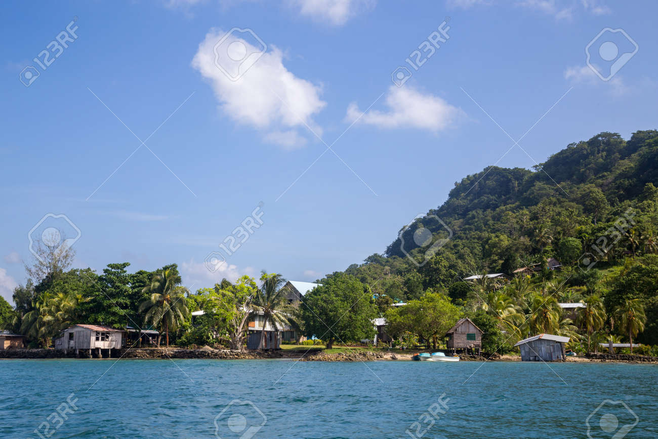 Local village on the Solomon Islands - 171014235
