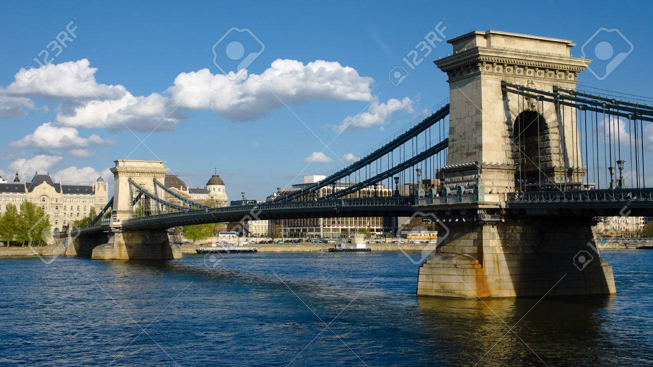Budapest, the Chain Bridge is a suspension bridge on the River Danube, the first permanent bridge between Buda and Pest Stock Photo - 22200005
