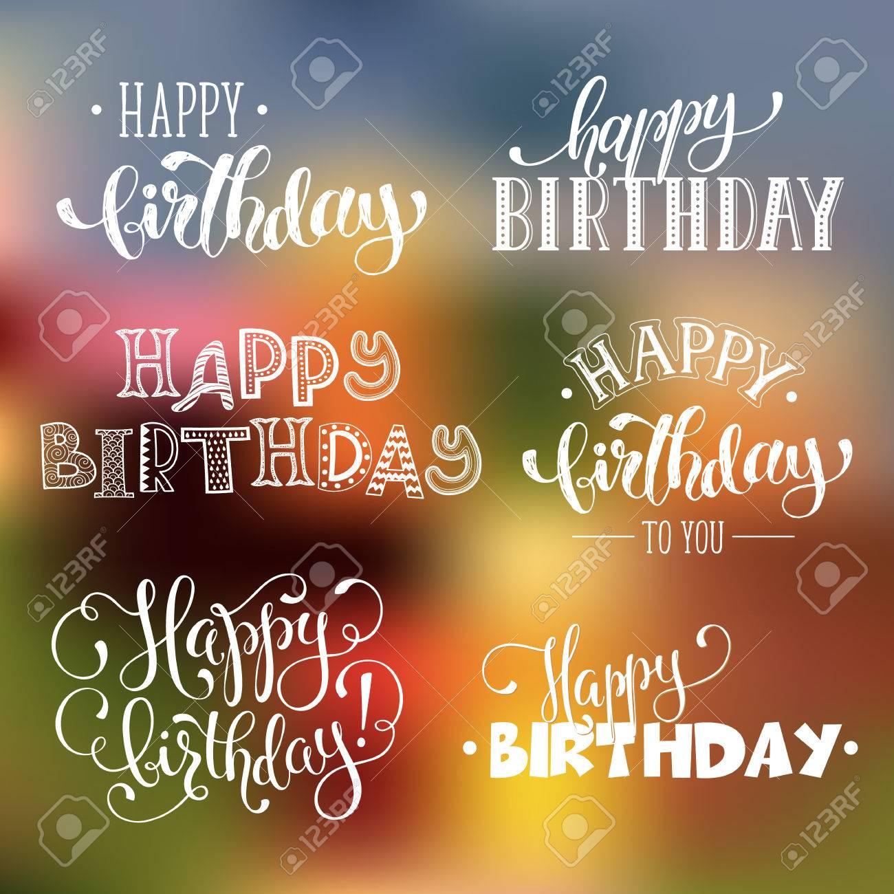 Escrito A Mano Frases De Feliz Cumpleaños Plantillas De Texto Tarjeta De Felicitación Aisladas Sobre Fondo Borroso Letras Feliz Cumpleaños En Estilo