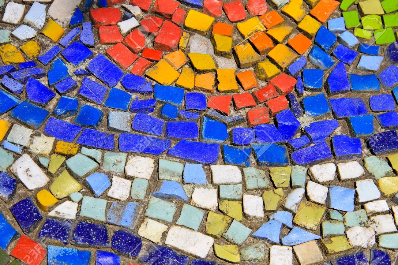 Sfondo di mosaico piastrelle in ceramica colorata foto royalty