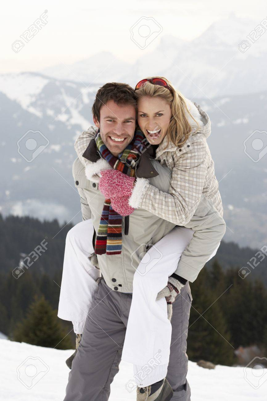 Young Couple On Winter Vacation - 11246527