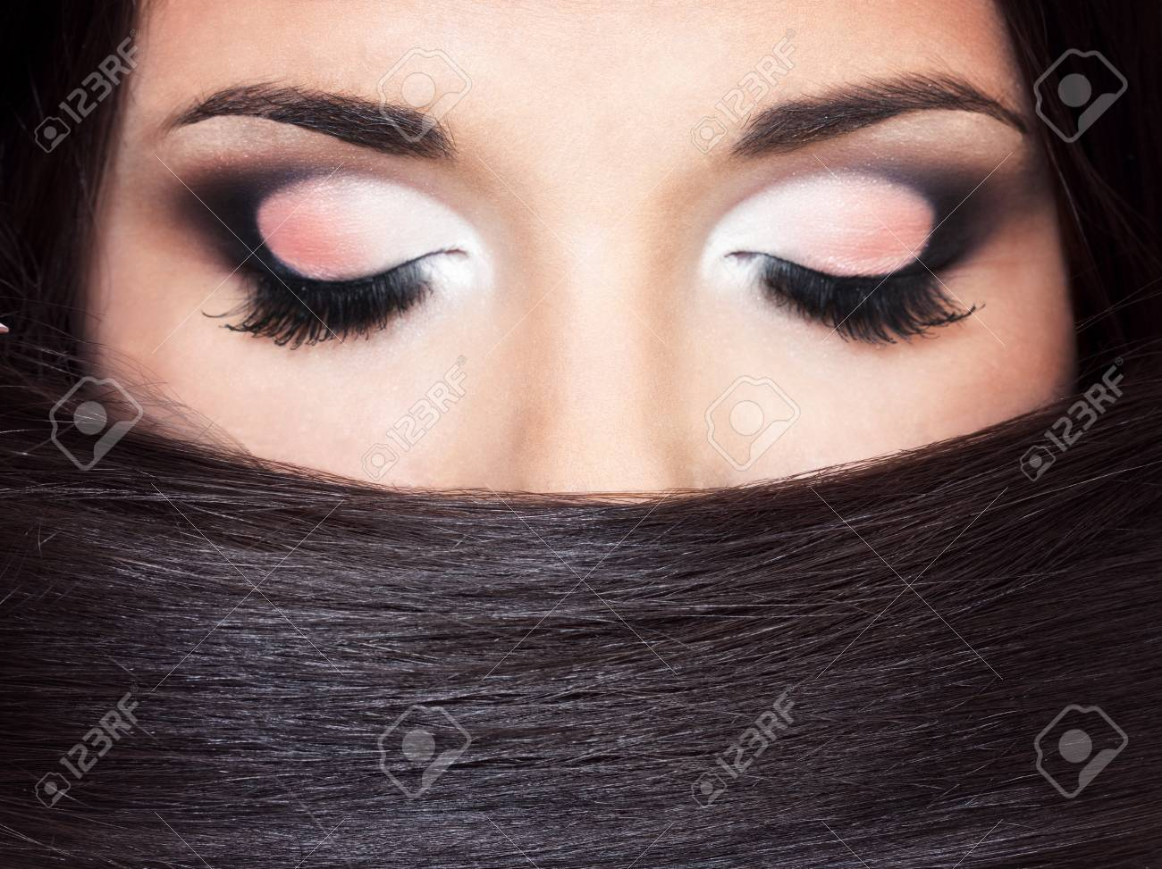 a close up portraite of a beautiful brunette Stock Photo - 18290851