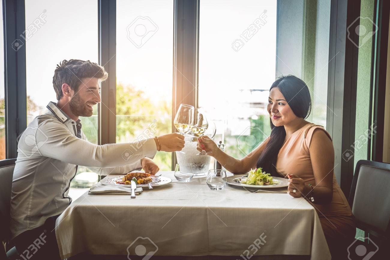 Romantic lunch dates