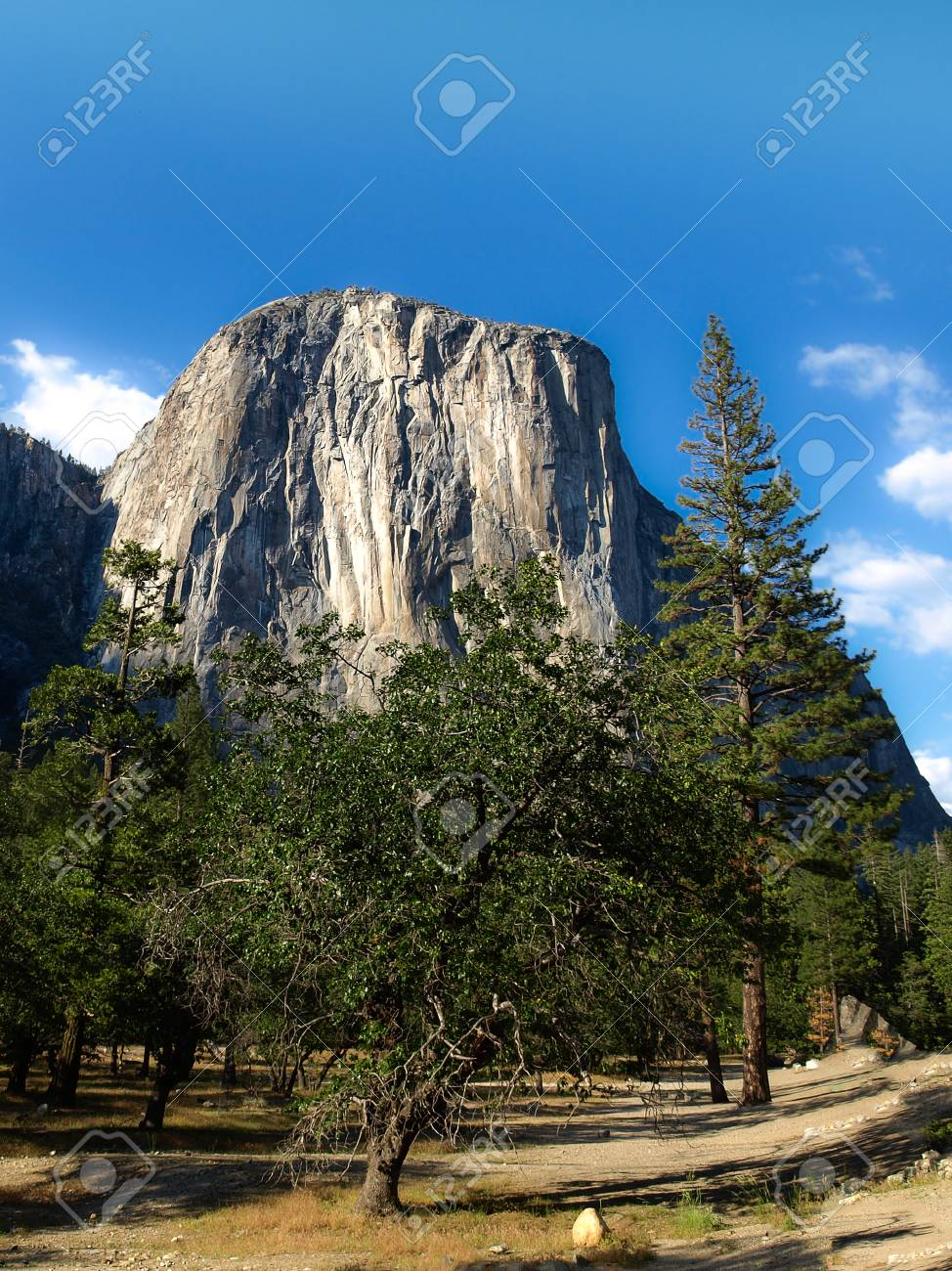 el capitan rock close-up in yosemite valley national park on.. stock