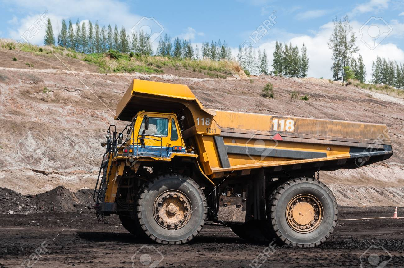 Big Dump Trucks >> Big Dump Truck Or Mining Truck Is Mining Machinery Or Mining