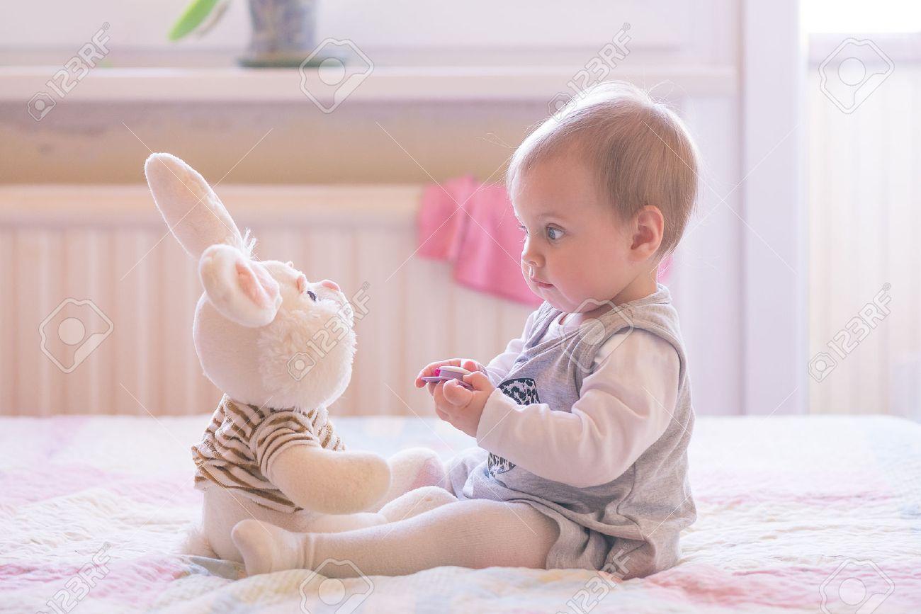 Развитие ребенка в 3 месяца жизни - равновесие и