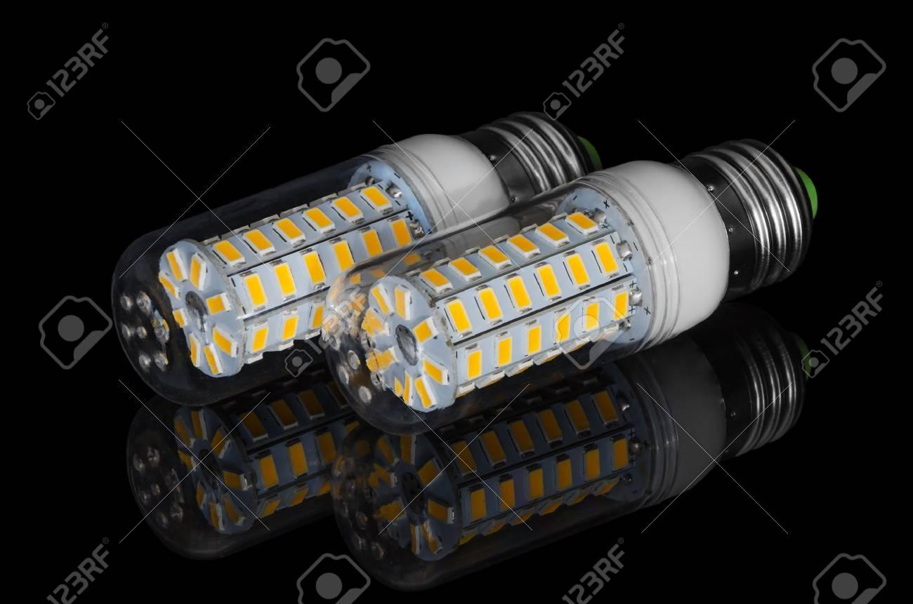La Lampe De Sur Led Fond Réflexion Maïs Noir Avec Un tQrshCxd