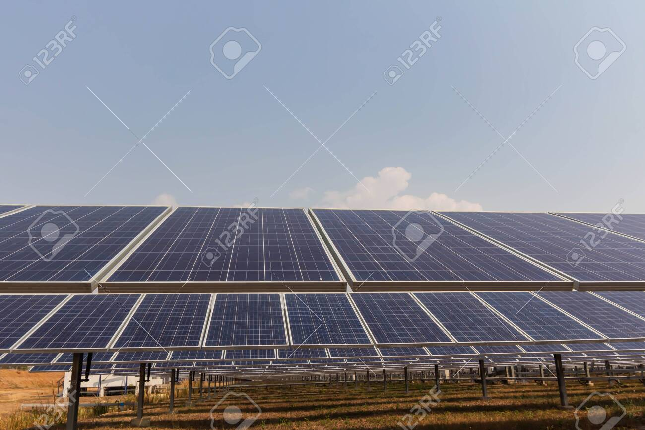 Solar panel, alternative electricity source, concept of sustainable resources, And this is a new system that can generate electricity more than the original, This's the sun tracking systems. - 125475378