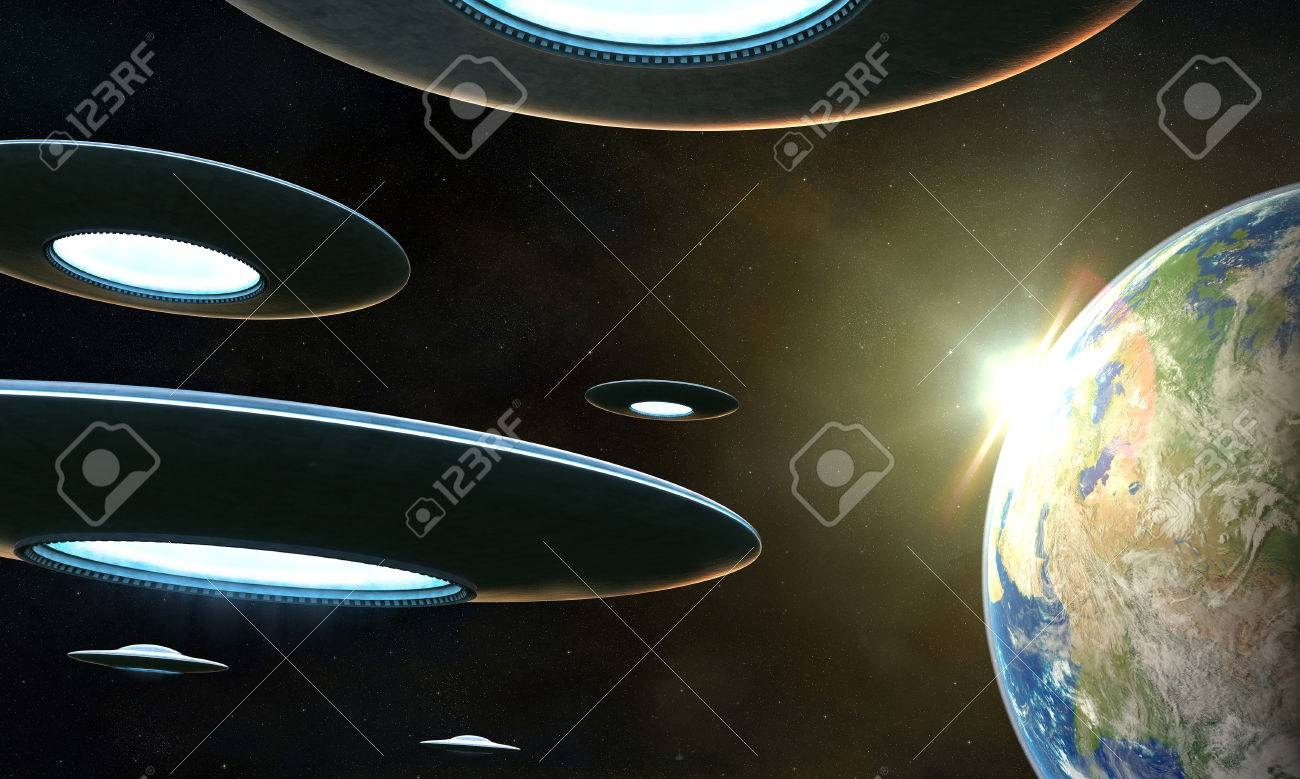 3d render of flyng saucers around the Earth Stock Photo - 23424325