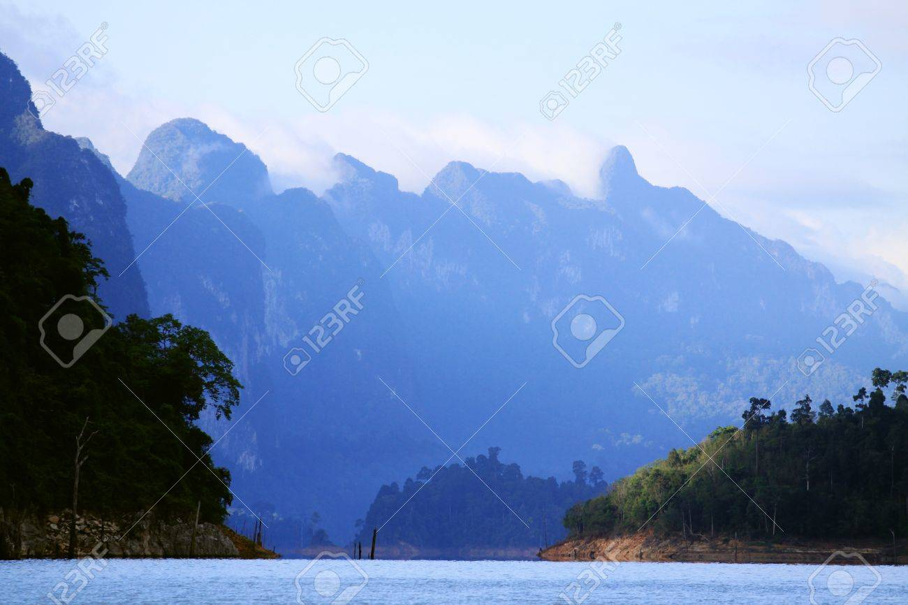 Khao-Sok, the popular national park of Thailand Stock Photo - 15886355