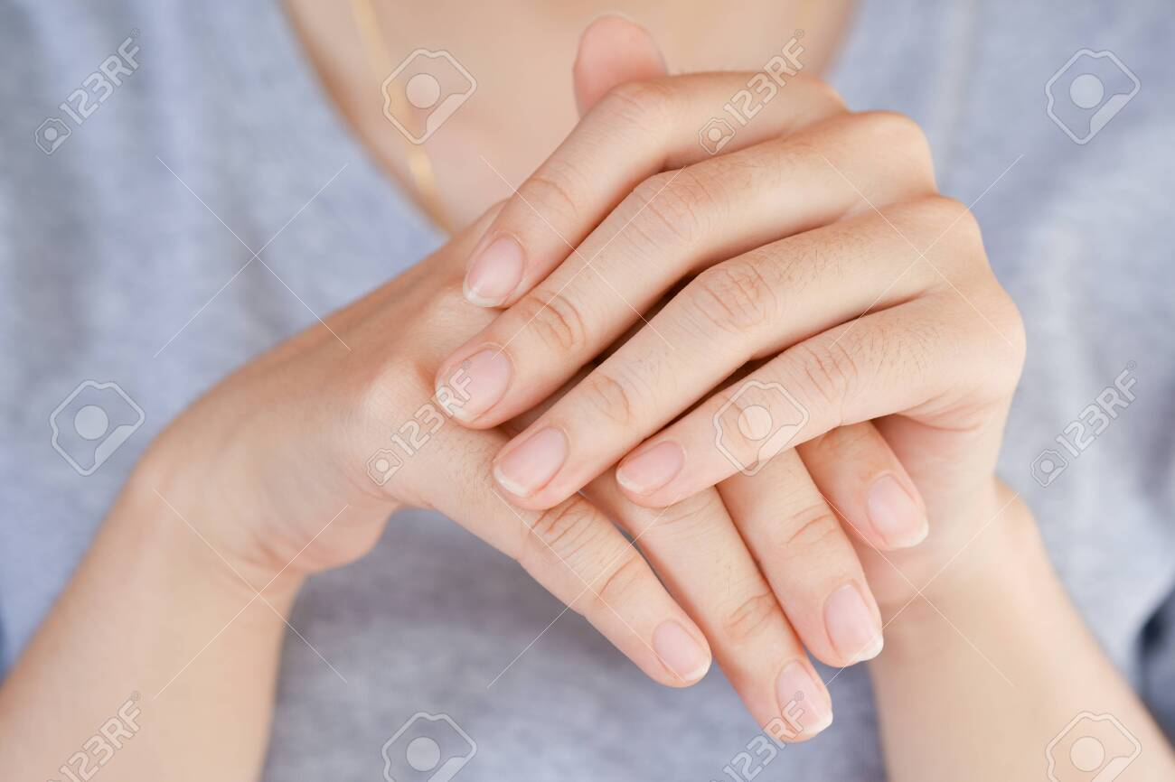 Close-Up fingernail of women, Concept of health care of the fingernail. - 135260694