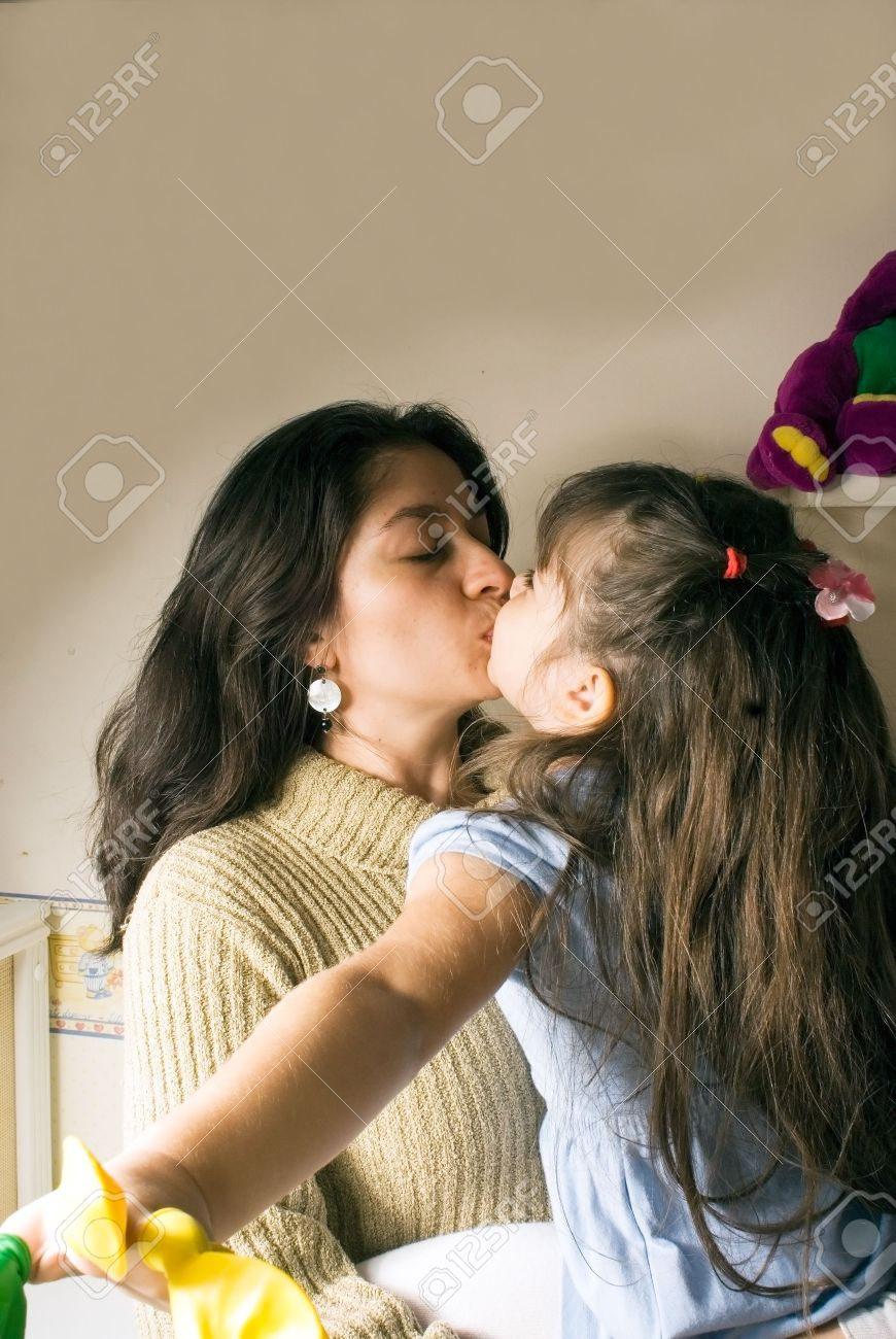 мамки онлайн лесбиянки и дочки