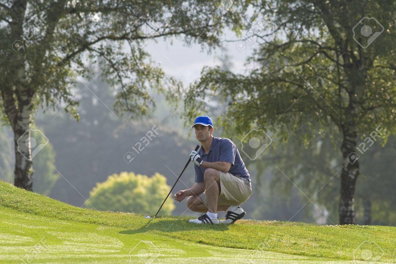 Man Besetzung Aus Grün Futter Bis Golf Schuss - Horizontal Gerahmte ...