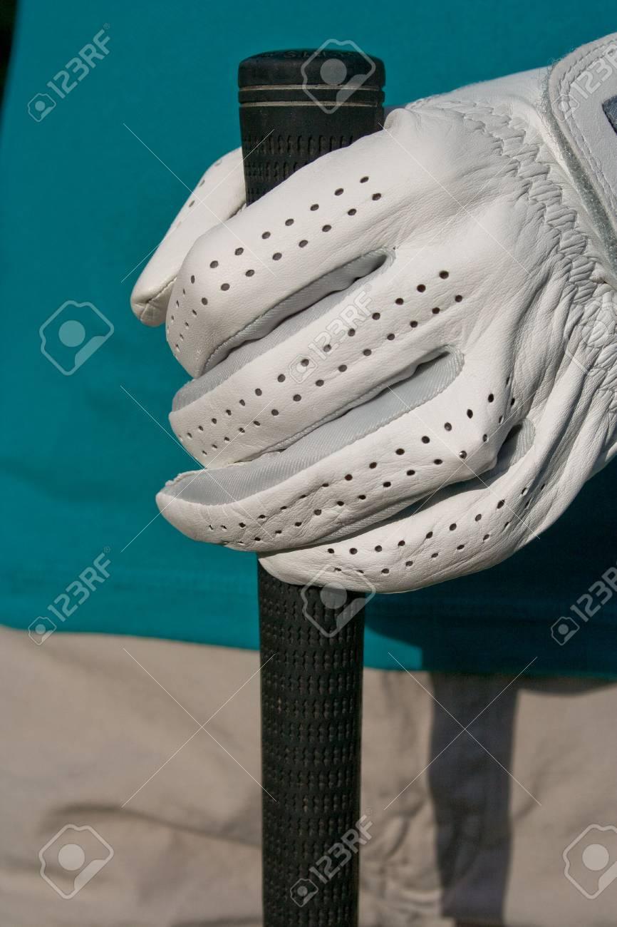 Golfer\'s Hand Hand Hält Golf Club. Vertikal Gerahmte Foto ...