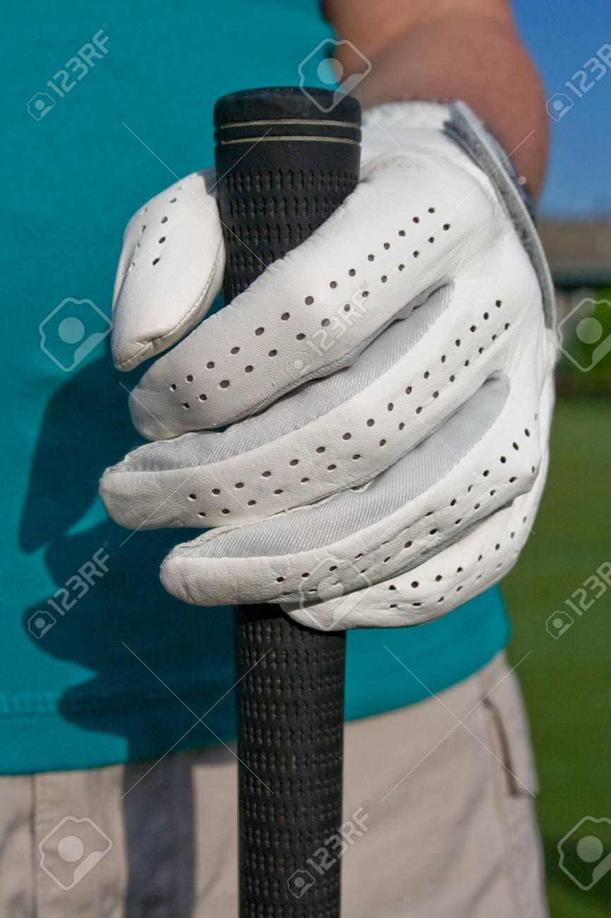 Golfer\'s Hand In Hand Hält Golf Club. Vertikal Gerahmte Foto ...