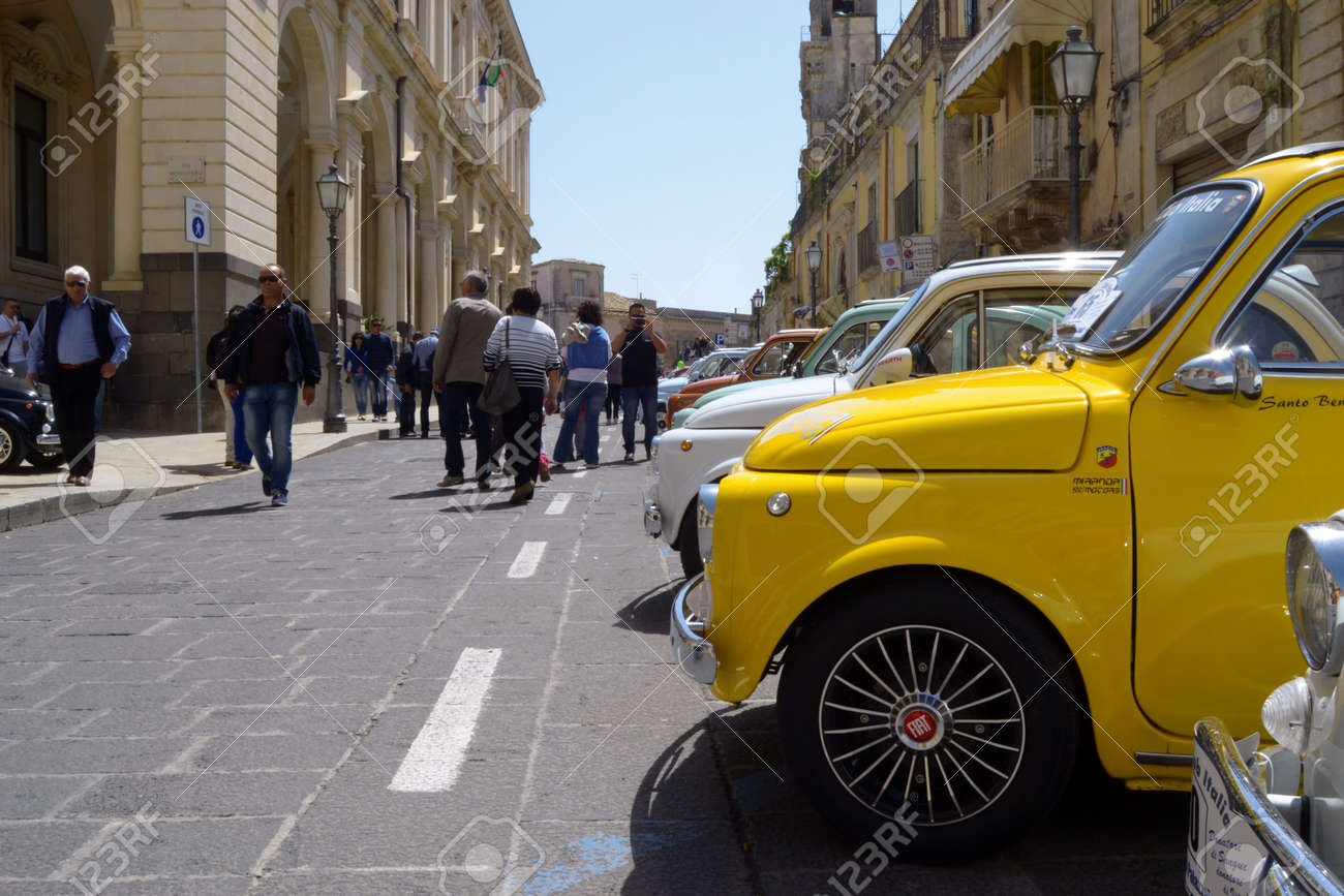 25-05-2014 Members of the Italian Fiat 500 automobile club organize a rally in Palazzolo Acreide, Syracuse, Sicily. vintage car fiat 500, - 166703473
