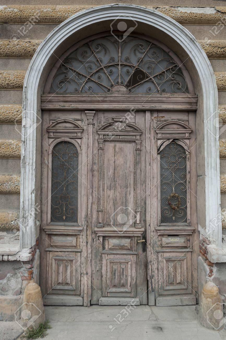 Vieux Portail En Bois vieux bois double face portail d'entrée extérieur du bâtiment