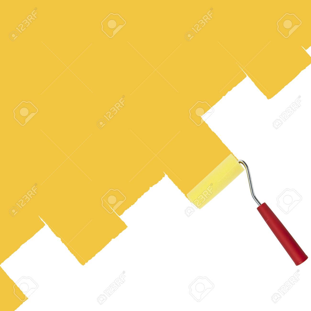 Rouleau à Peinture Pour Peindre Les Murs En Jaune Sur Un Fond Blanc