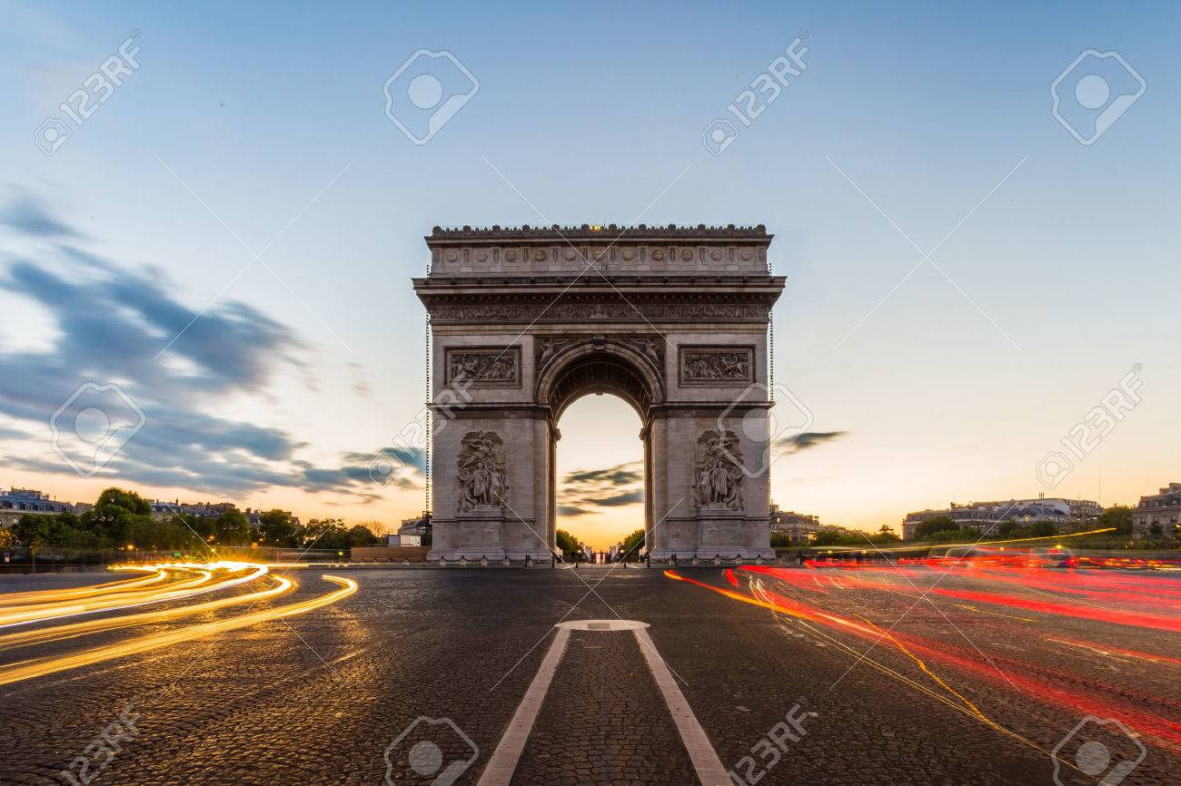 Arc de Triomphe à Paris Banque d'images - 29610357