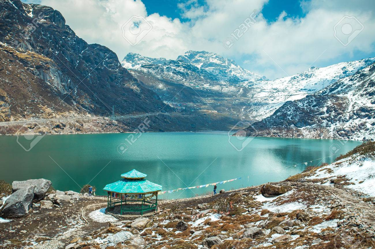 Tsangmo Lake in Sikkim, India. Banque d'images - 64339257
