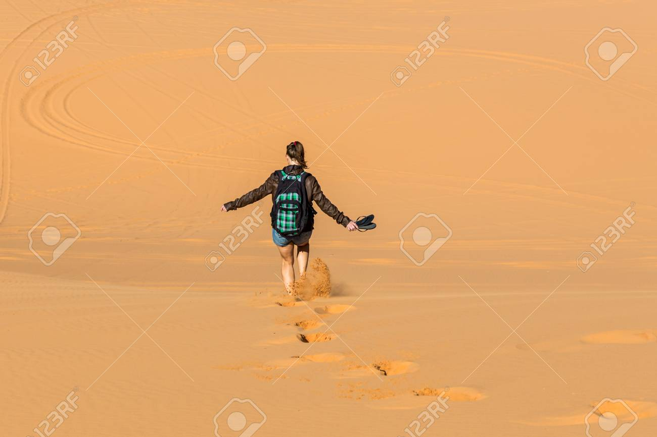 sand dune madchen