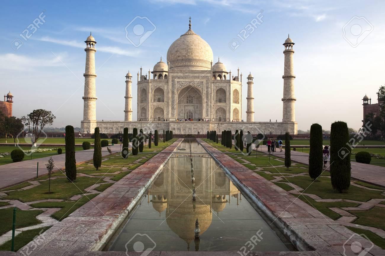 taj mahal agra uttar pradesh in india Stock Photo - 6974336